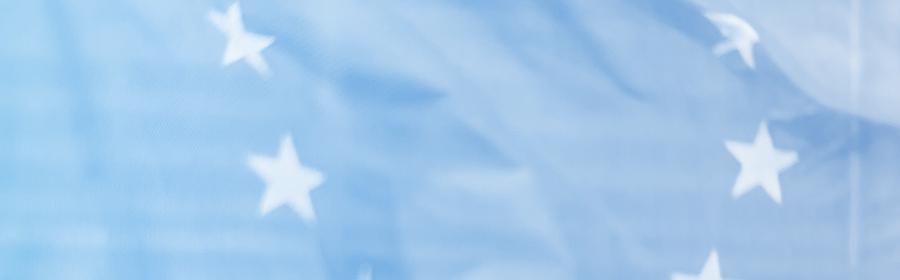 Un photo floue de drapeau européen